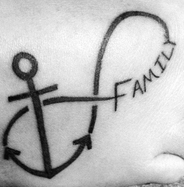 tatuajes-de-del-signo-infinito-para-la-familia-3-e1510689571546